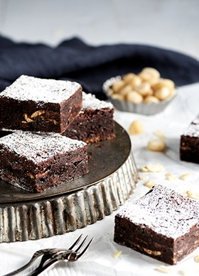 madhouse-bakehouse-wholesale-cakes-slices-brownies