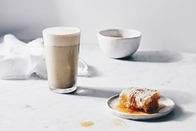 ginger-and-co-golden-latte